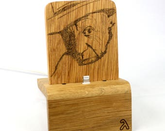 iPhone Dock (Oak - picasso design) for iPhones 5/5S/6/6S/Plus/SE/7 with/without cases / Lightning Dock
