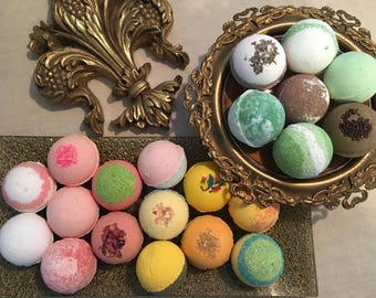 9 Large Bath Bombs, Bath Bomb Set, Handmade Fizzies, Perfect for a gift! Moisturizing Bath Bomb for Dry Skin, Bath Salt, Spa