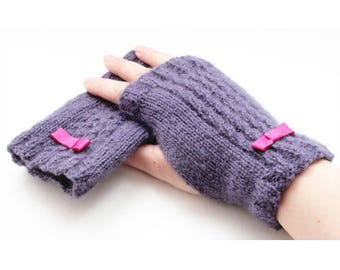 Care instruction to knit mittens purple