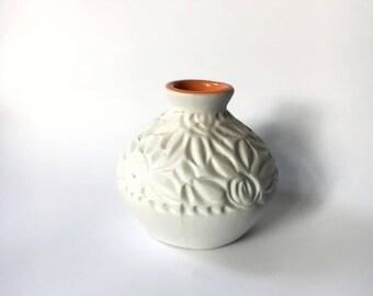 White vase, White matte vase, Modern Flower Vase, Housewarming Gift, Ceramic flower vase, white Home Decor, White Flower Pot, Small vase