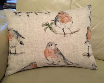Lovely Robin Cushion