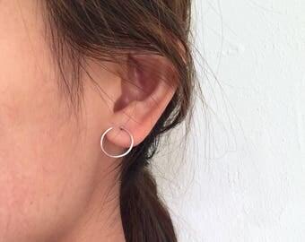 Thin open circle earrings