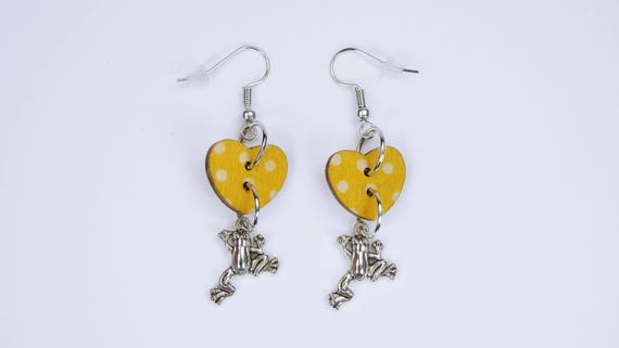 Earrings frogs and heart hearts in yellow with white dots on silvery earrings wooden pendant earrings Valentine's Day Frog