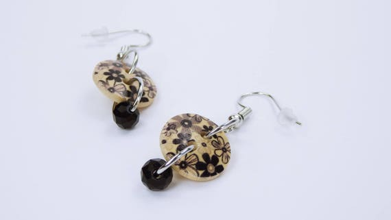 Earrings flowers in black beige and black bead-button earring on silver-colored earrings wooden pendant earrings Gothic jewelry Elegant