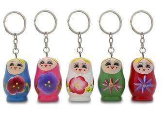 "1.75"" Five Matryoshka Wooden Russian Nesting Dolls Key Chains"