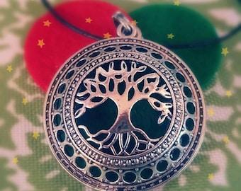 Diffuser Locket Pendant - Large Tree Of Life or Owl