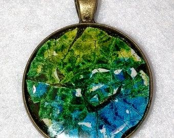 "1.25"" Eggshell Mosaic Brass circle bezel (#205)"