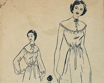 1950s Bestway Nightgown with Round Yoke Pattern B36