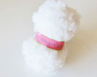 Ring of white yarn (customizable)