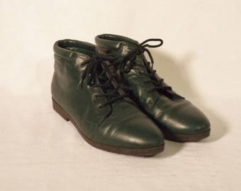 DANEXX vintage ankle boots// 80s leather hunter green plaid hipster peasant booties// Women's size 8-8.5 USA