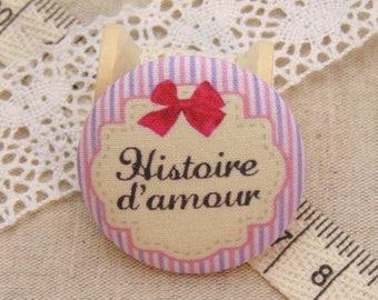 1 button x 38mm love fabric