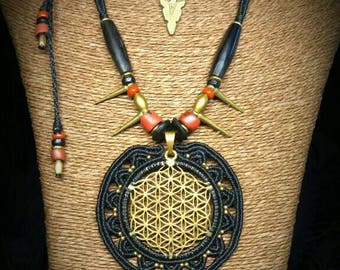 Macramé flower of life necklace