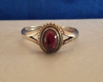 R104 Sterling Silver Ring with Amethyst