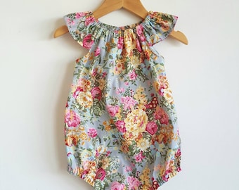 Baby girls playsuit // flutter sleeve // romper // grey // pink // floral // spring // baby gift // baby shower