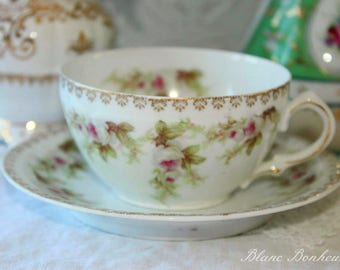 Z.S. Co., Bavaria, ''Mignon'': Romantic tea cup and saucer, with white roses