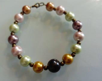 Pearl and copper colored pearl bracelet