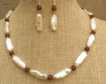 Freshwater pearl, garnet and gold necklace and earring set