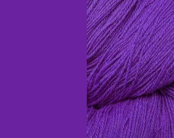 Wool Yarn, purple, DK, 3-ply worsted knitting yarn 8/3 100g/130m
