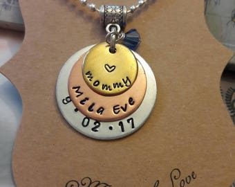 Personalized Mommy Necklace //  Gift for Mom // Personalized Momma and Baby Necklace //Great gift for any Mom .