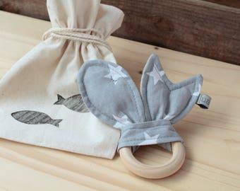 "Natural Wood Teether | ""Peixets"" Grey"