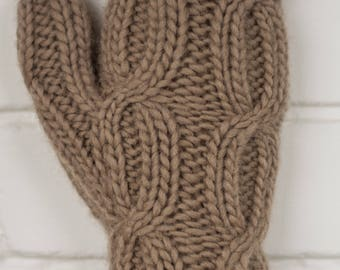 Short Fingerless Gloves in Beige / Arm Warmers / Fingerless Mittens