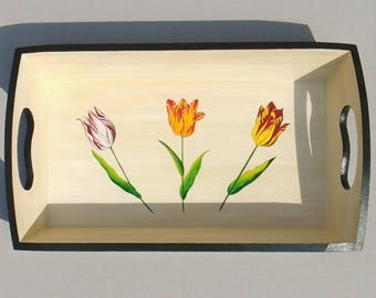 Patinated and varnished garden tray decorated with tulips