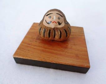 EJP20 : Vintage Japanese Lucky Daruma gourd doll wooden base