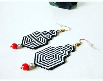 STARDUST earrings, black and white Japanese miyuki beads