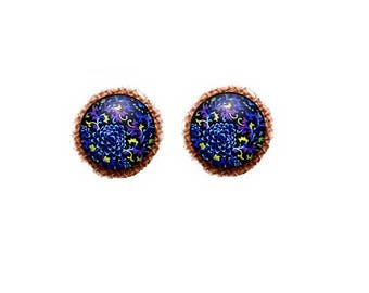set of 2 blue cabochons night glass patterned 14 mm