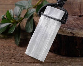 "2"" White SELENITE Necklace - Selenite Crystal Pendant w/Black Cord, Selenite Jewelry, Selenite Pendant, Selenite Slab, Healing Crystal E0544"