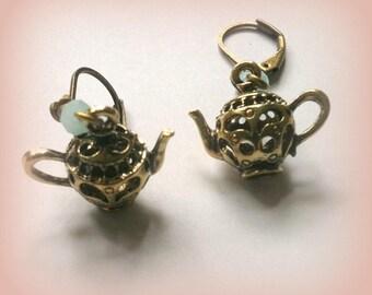 Filigree Gold Teapot earrings