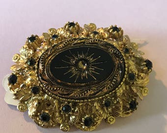 1960s Sphinx Victorian Revival Brooch. Sphinx Ornate 3 D Gold Tone Gilded  Brooch