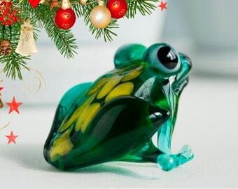 Frog Glass Figurine, glass figurine, tiny glass animals, Mini Glass Figure, Glass Miniature, Glass Sculpture, Lampworking, Glass Miniature