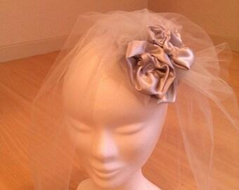Fascinator, fascinator or wedding hair accessory