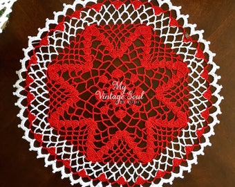 Red Star Christmas Doily  - Coffee Table Doily - Christmas Crochet Doily - Handmade Doilies - Christmas Decor - Holiday Doily