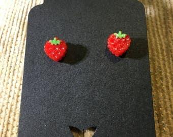 Mini strawberry studs