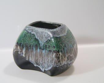 Lovely Dümler & Breiden vase , Relief, 20/10 West German Pottery, WGP Decor Polar