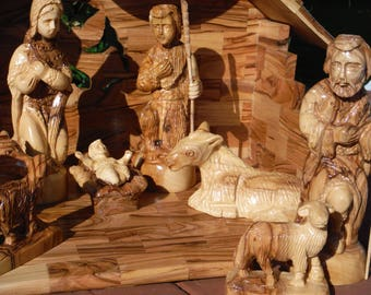 Olive Wood Nativity/ Cre'che Set from Bethlehem, plays Silent Night