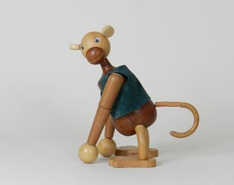 Large articulating monkey in teak and other woods. 1960s, danish modern