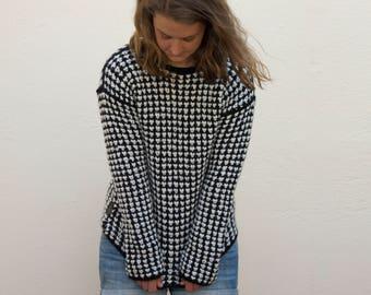 black/white women's sweater in the Pepita pattern