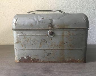 Vintage Silver Metal Lunch Pail,  Lunch Box, Industrial decor