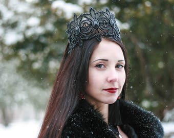 Black Evil Queen Crown Black Lace Crown Costume Headpiece Mistress Halloween Fascinator Gothic Witch crown Bachelorette Party Accessory