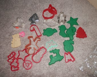 cookie cutters metal and plastic mixed lot