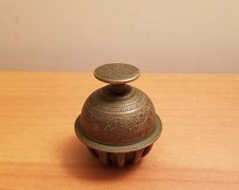 Vintage Bell Brass bell table decoration