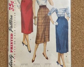 Straight skirt pattern Simplicity 1345