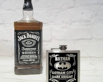 Batman hip flask, stainless steel hip flask, superheroe hip flask, gift for him, best man gift, fathers day gift, groom gift, birthday gift