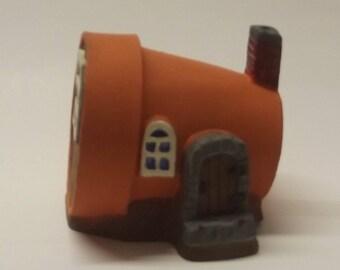 Small pot house