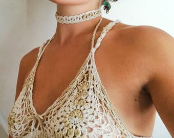 Feminine lace bralette with choker