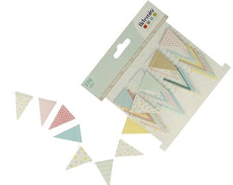Garland pennants in paper - Triangles in paper - paper Triangle pennant