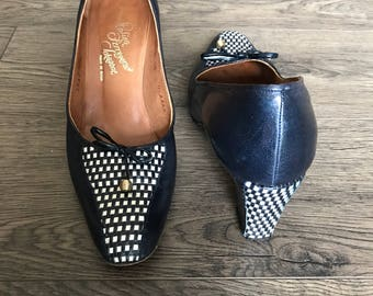 1960's - 1970's High Heel Pumps - Navy Blue Block Heel Shoes - Checkered Heels - Rosina Ferragamo Schiavone - Size 9.5 AAAA